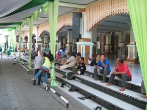 Halaman Depan Masjid Kauman