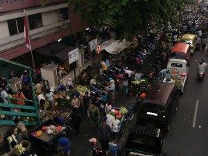 Kepadatan Pasar Jelang Idul Fitri