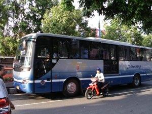 Trans Semarang melewati Jl. Sudirman
